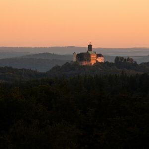 Blick auf die Wartburg bei Sonnenuntergang