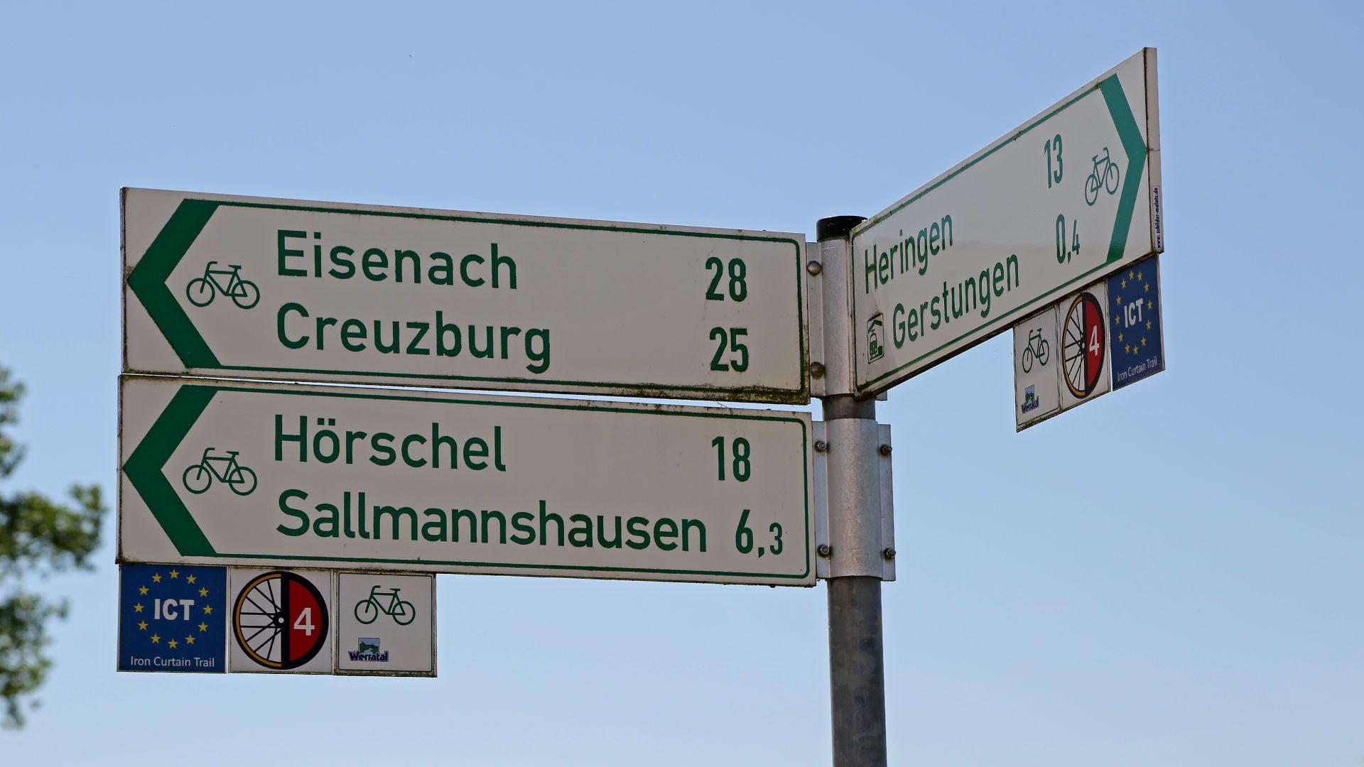 Wegweiser Werratal-Radweg, Iron Curtain Trail, Radroute D4 © Joachim Negwer Thüringer Tourismus GmbH