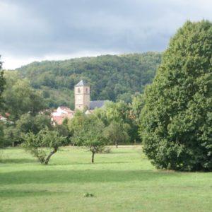 Blick von der Werrabrücke auf die Nikolaikirche Creuzburg
