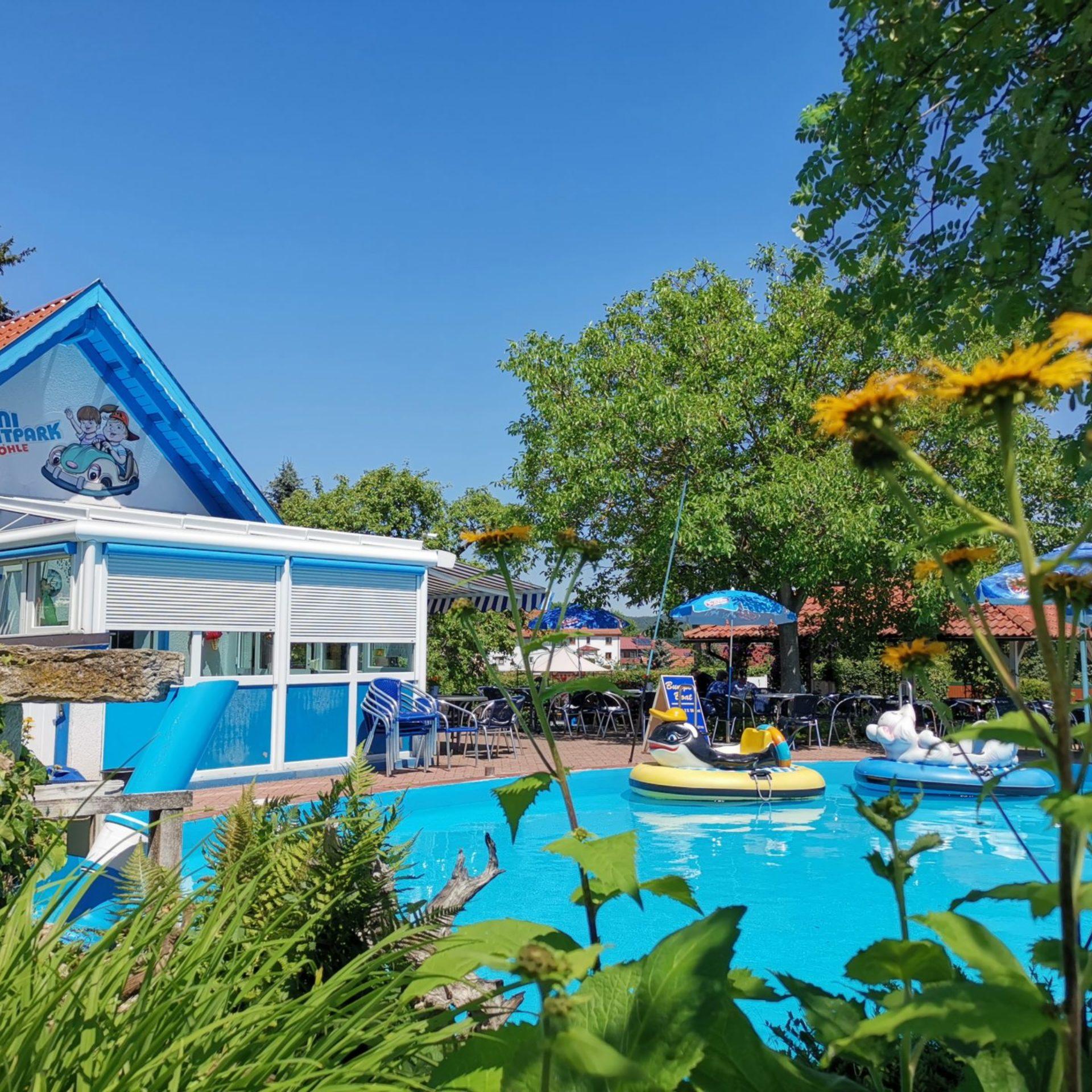 Minifreizeitpark mit Pool an der Märchenhöhle Walldorf