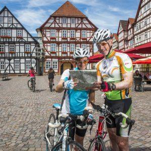 Eschwege, Marktplatz, Fachwerk, Radler, Fahrradtouristen
