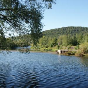 Wehr am Wasserkraftwerk Dorndorf