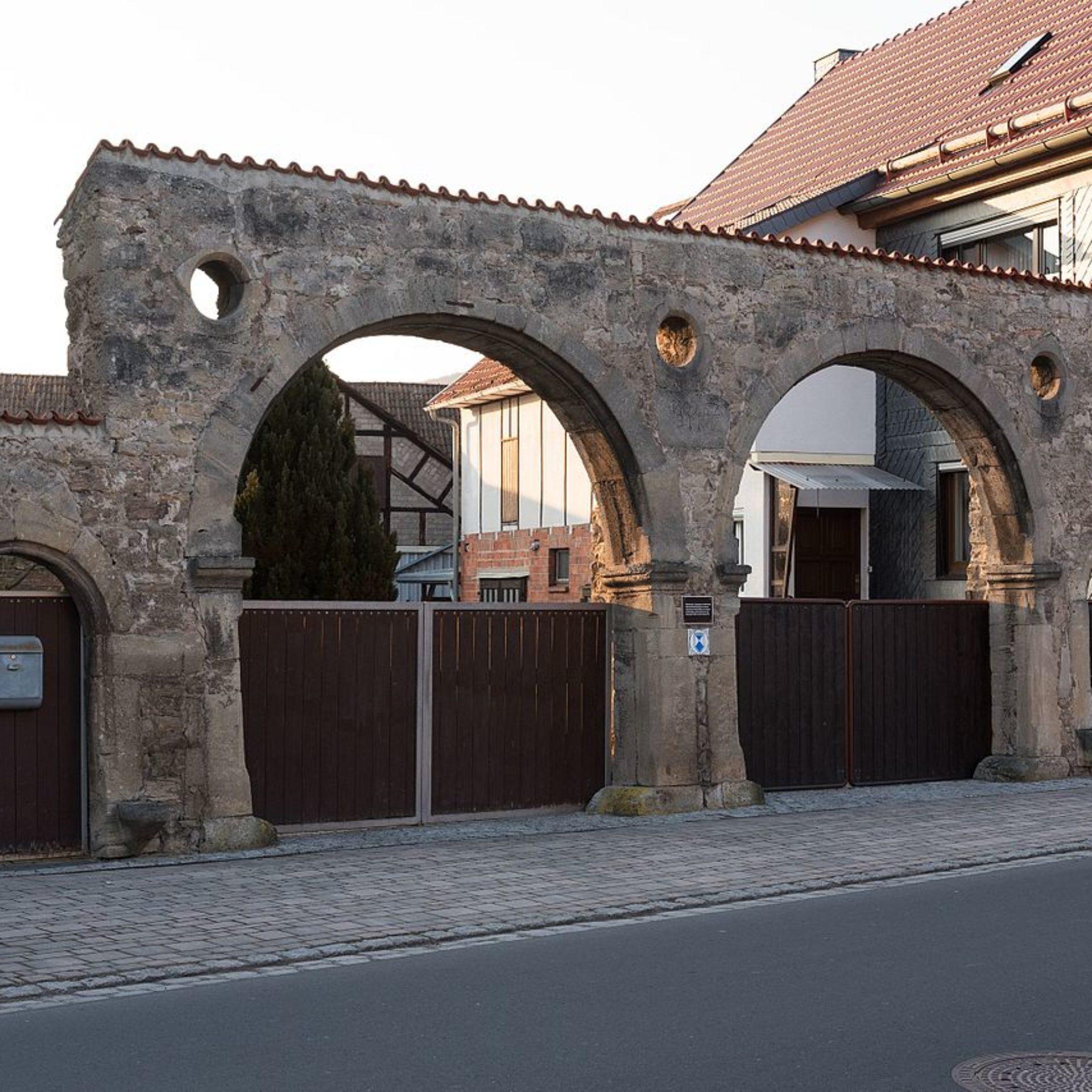 Rundbogentore in Einhausen