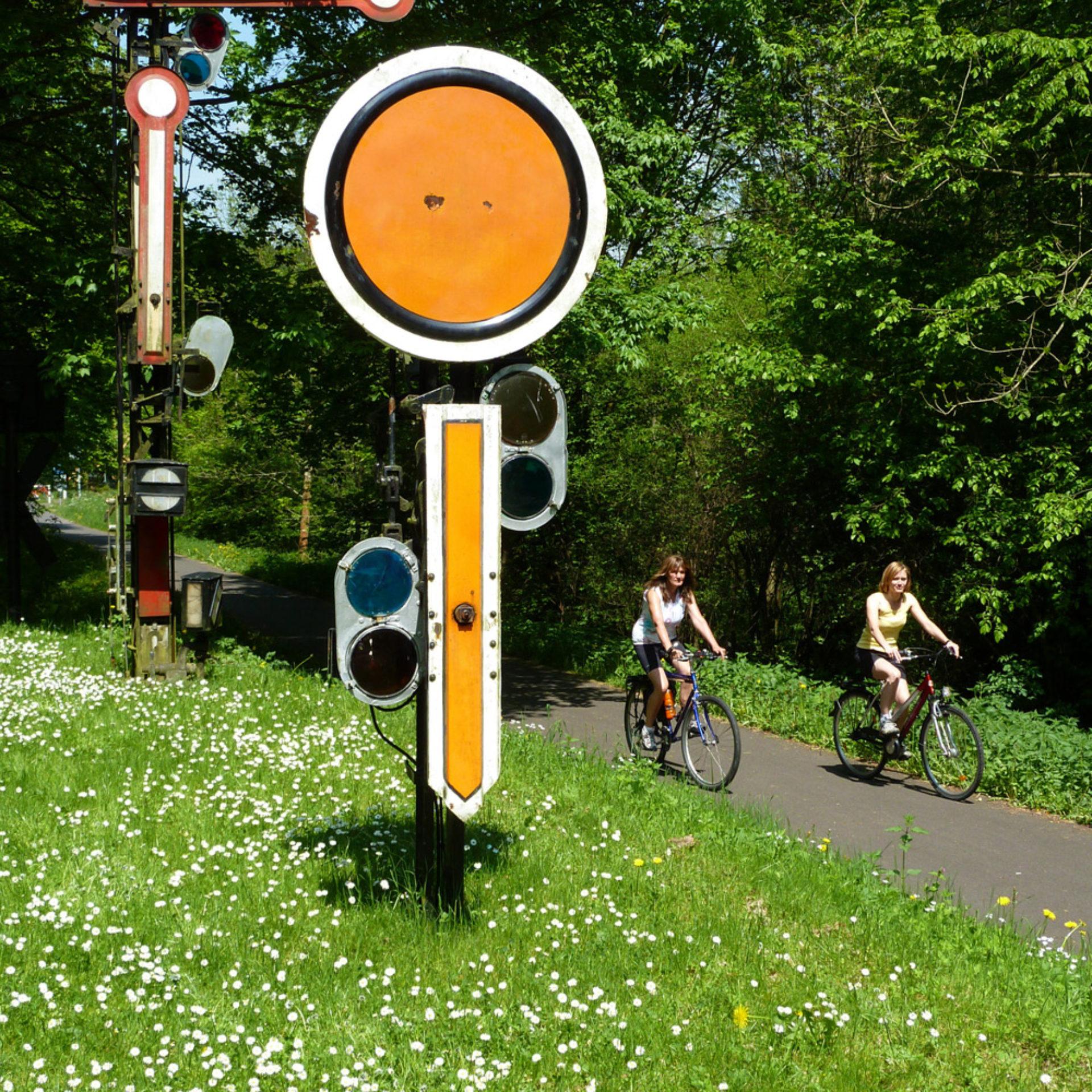 Relikte der Bahntrasse am Bahnradweg Hessen © Region Vogelsberg Touristik