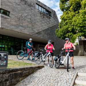 Radfahrer am Bachhaus Eisenach